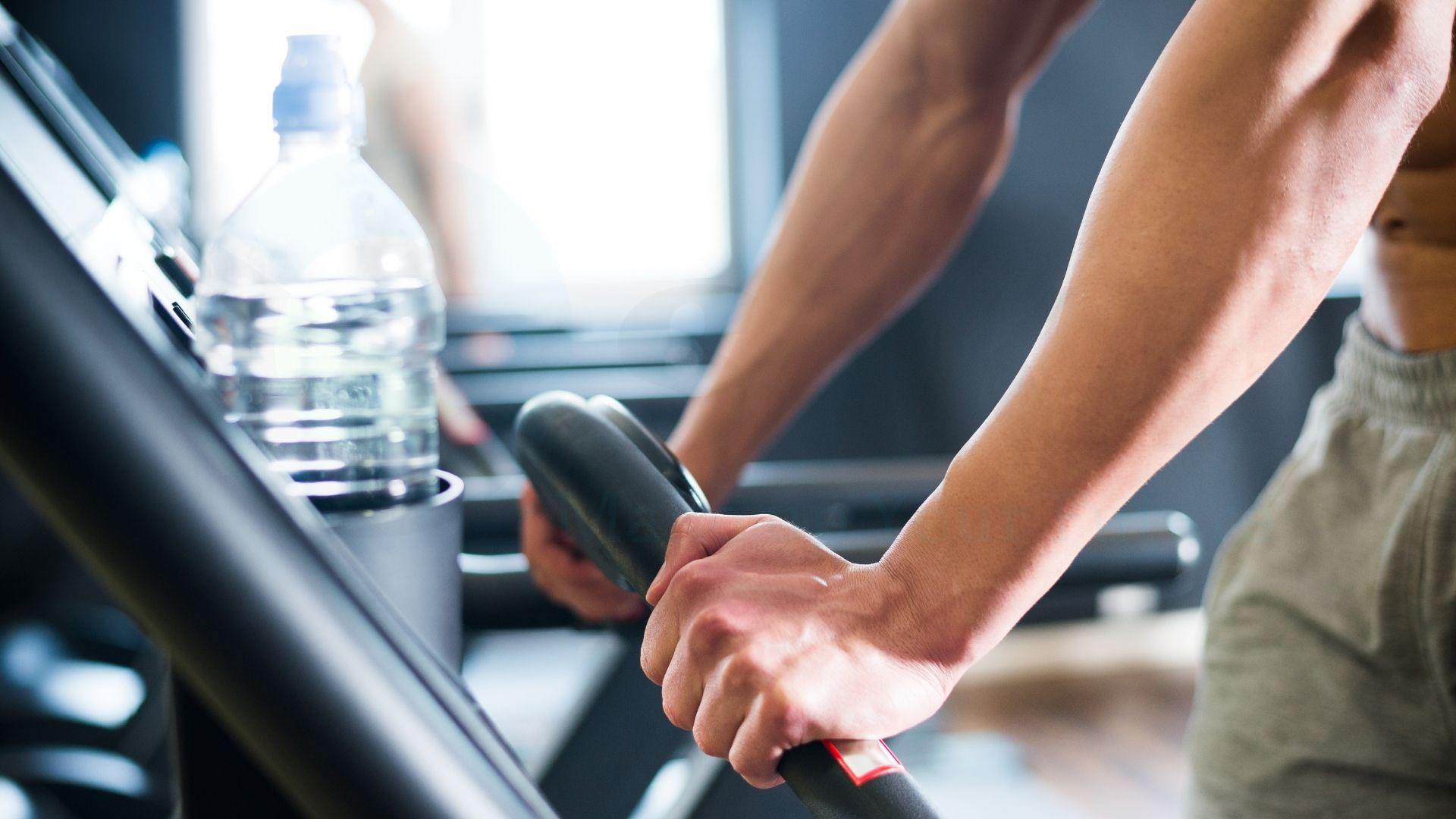 Giảm béo vùng lưng bằng việc tập thể dục
