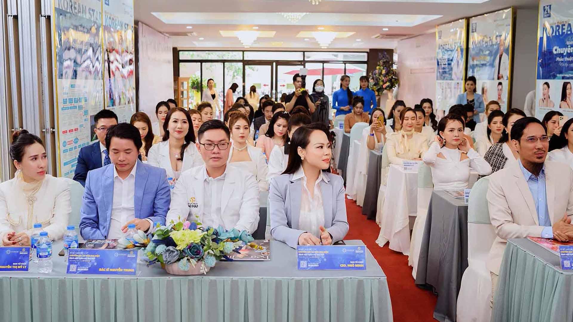 Khách mời và đối tác tham dự Hội thảo