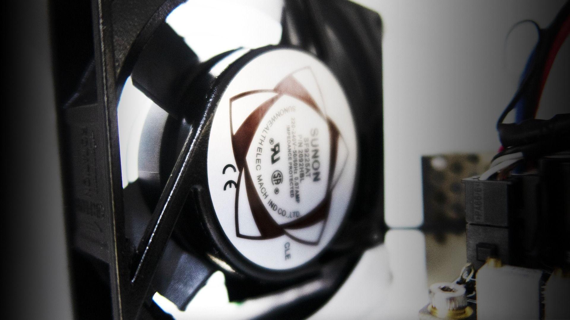 Hệ thống làm mát giúp bóng RF hoạt động tốt